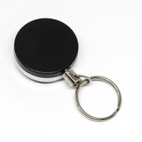 Solid og funktionel 40 mm yoyo med stærk metalkæde, bælteclip på bagsiden og nøglering.