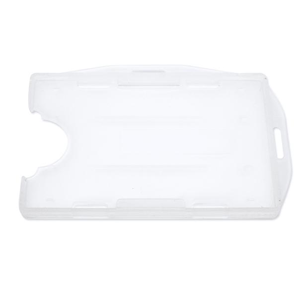 Transparent frosted kortholder i hård plast til 2 kort, horisontal eller vertikal.  Kortholderen kan forsynes med halssnor, seleclips, yoyo m.m