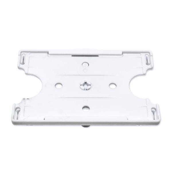 Hvid kortholder i hård plast til 1 kort. Monteret med clip, som kan fastgøres på lomme m.m.
