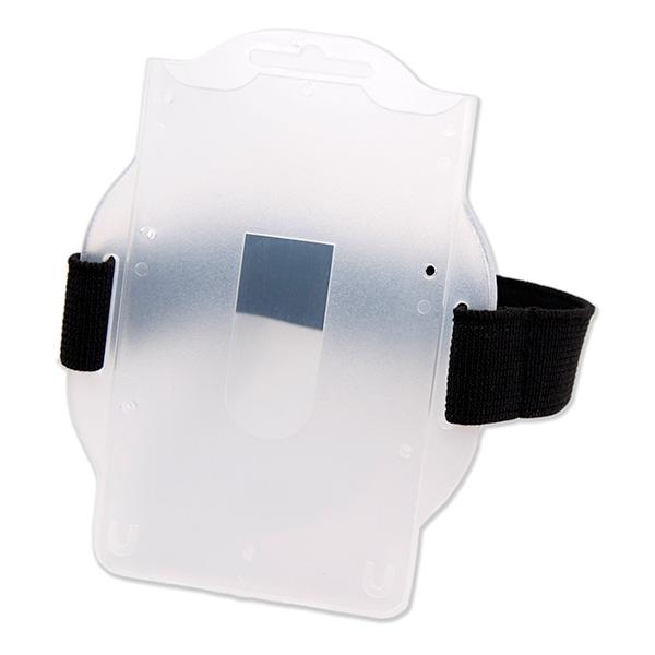 Kortholder i fleksibel frosted plast med elastisk rem til overarm. Egnet til motionsløb/tidtagning samt til ID- og adgangskort.