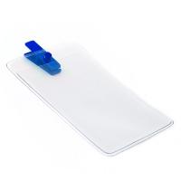 Vertikal kortholder i blød, blank, transparent plast med blå mini plastclip. Passer til standard kort str. 86 x 54 mm. Stort udvalg i plastkort og kortholdere hos RD Data